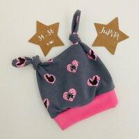 Knotenmütze Tracht rosa auf grau