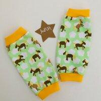 Ponys und Wolken auf hellgrün, Bündchen gelb